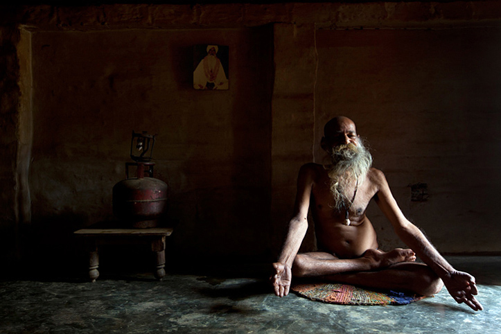 India. Lucknow. Sadhu. Meditation. © Pascal Meunier